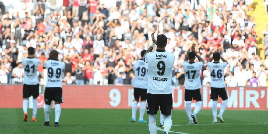 Beşiktaş - Altınordu maçından kareler