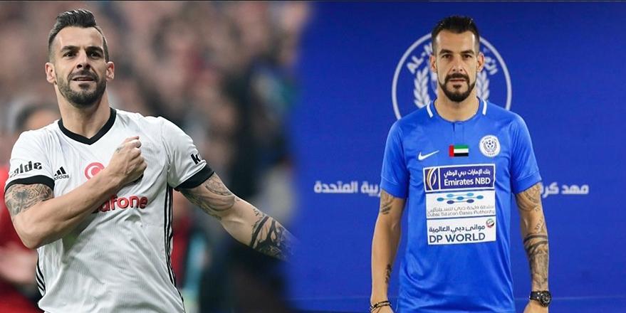 Beşiktaş'tan ayrılan maviyi giyiyor! ⚫⚪ 1