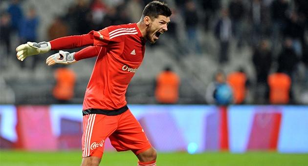 Beşiktaş'ın yabancı kalecileri: Karius 15. isim 13