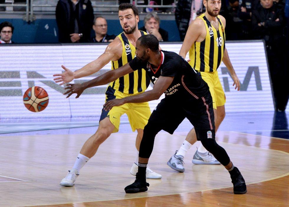 Fenerbahçe - Beşiktaş Sompo Japan maçından kareler 1