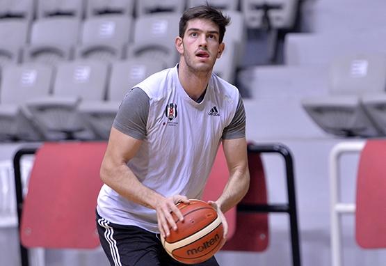 Beşiktaş Sompo Japan takımı kampa girdi 6