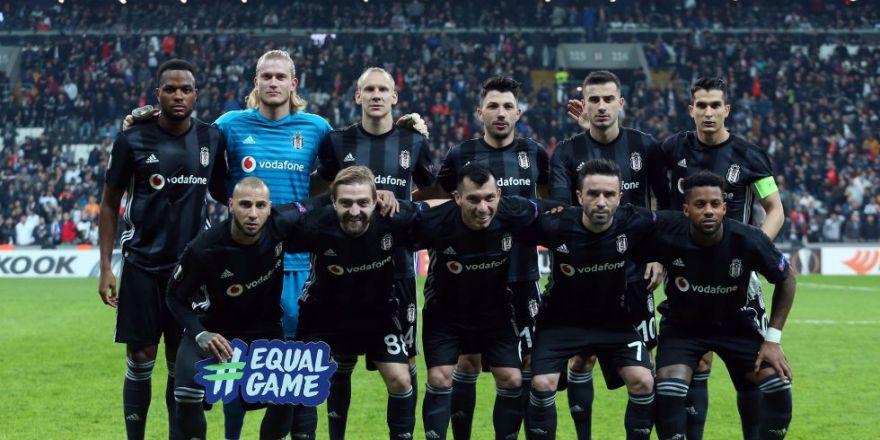 Beşiktaş - Genk maçının ilk yarısından kareler