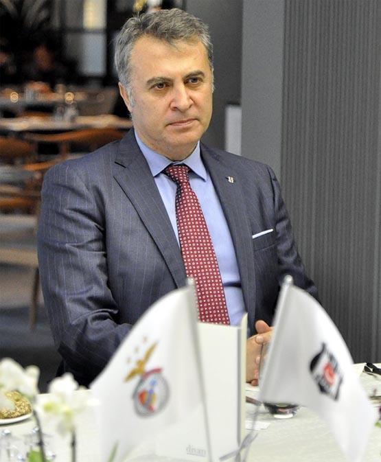 UEFA ve Benfica heyetleri dostluk yemeğinde buluştu 4
