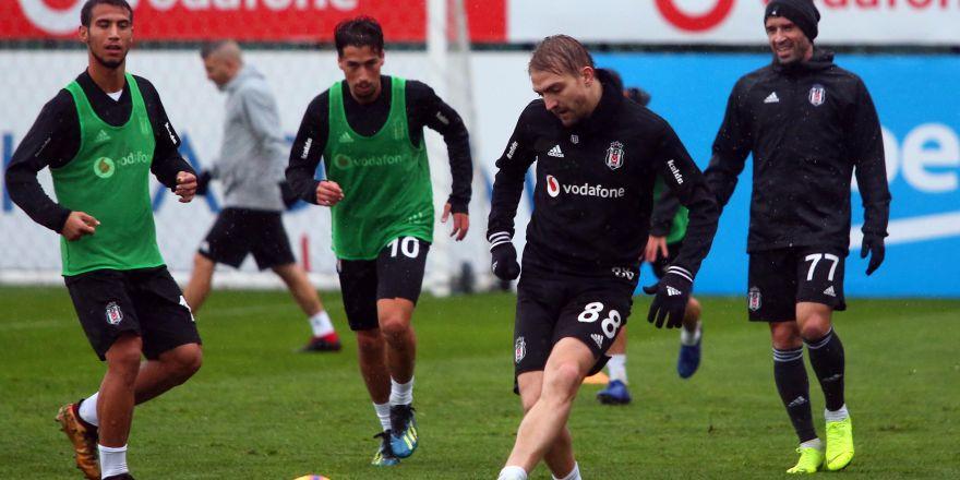 Yağmur altında antrenman! İşte Beşiktaş'ın bu akşamki çalışmalarından notlar