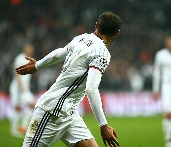 Beşiktaş-Benfica maçından kareler 38