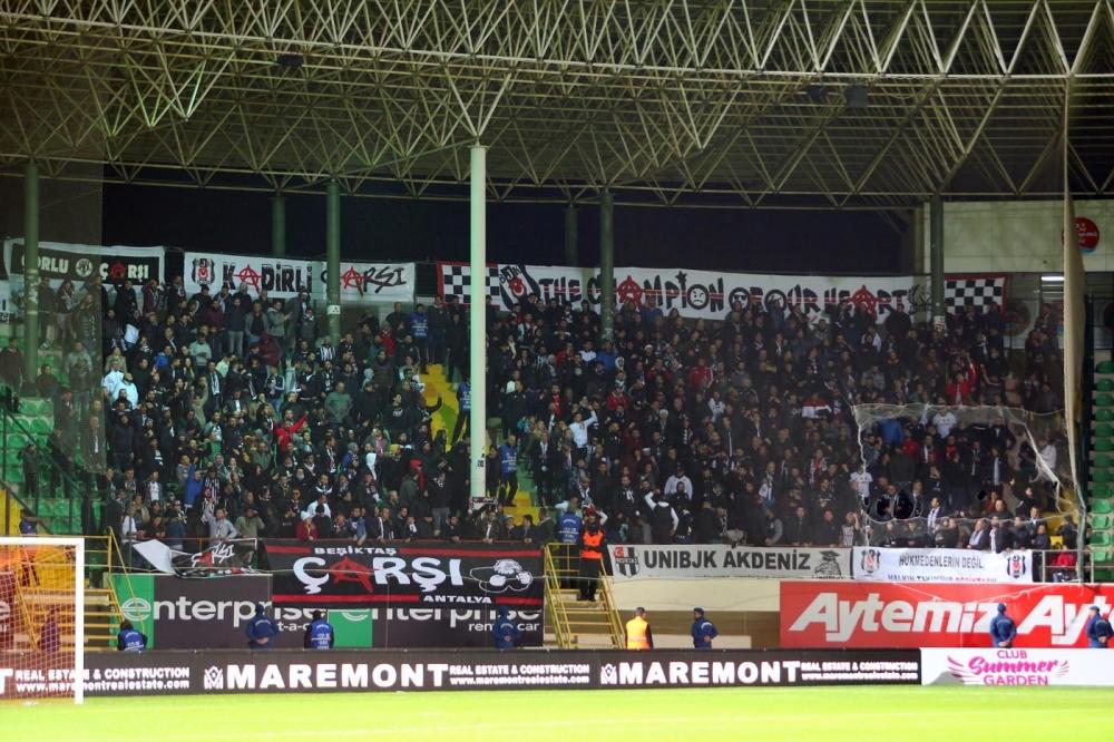 Alanyaspor - Beşiktaş maçının ilk yarısından kareler 1