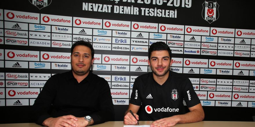 Muhayer Oktay, Beşiktaş'a imza attı