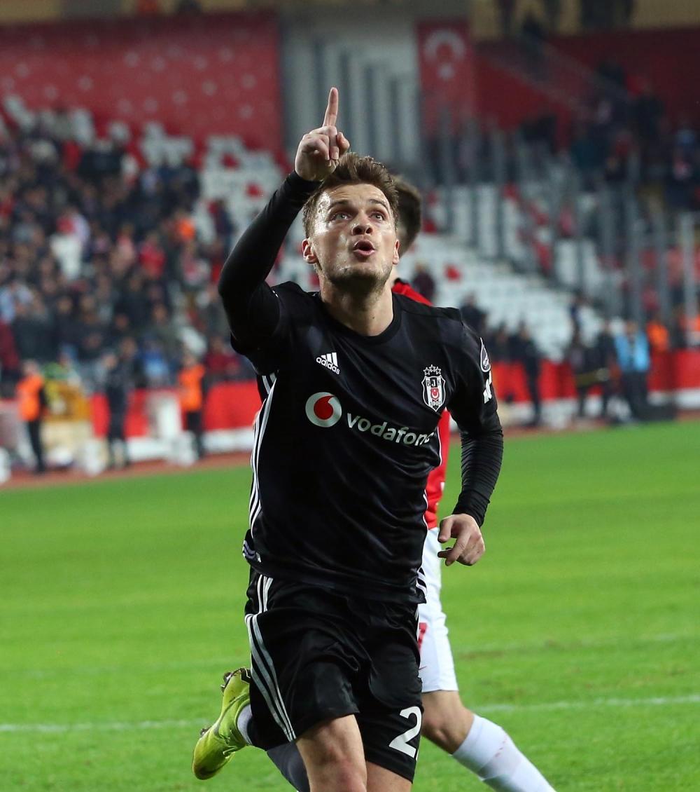 Beşiktaş, Antalya'da gol olup yağdı 1