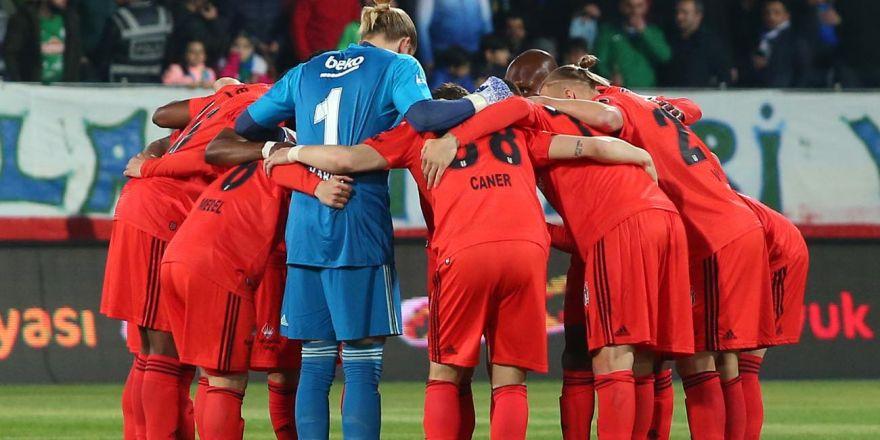 Ç.Rizespor - Beşiktaş (7-2) maçından muhteşem kareler
