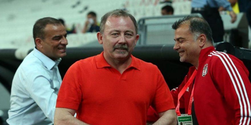 """Beşiktaş - Fenerbahçe maçının ardından yazar görüşleri: """"Oyuncu değil, oyunu değiştirdi"""""""