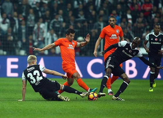 Beşiktaş-Başakşehir maçından kareler 27