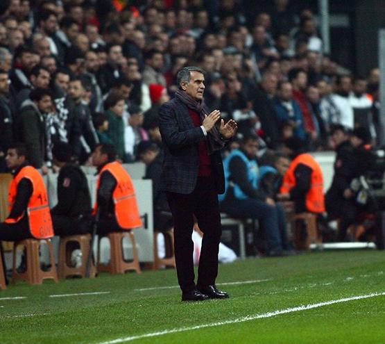 Beşiktaş-Başakşehir maçından kareler 32