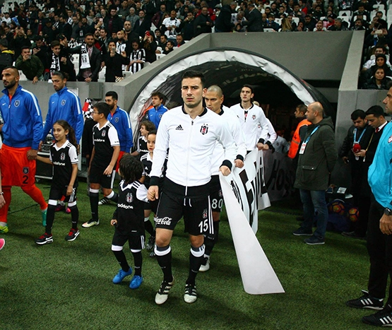 Beşiktaş-Başakşehir maçından kareler 36