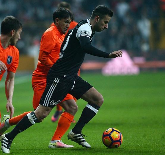 Beşiktaş-Başakşehir maçından kareler 45