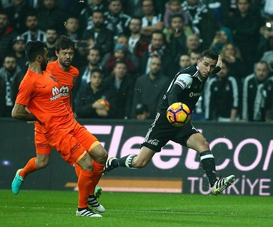 Beşiktaş-Başakşehir maçından kareler 46