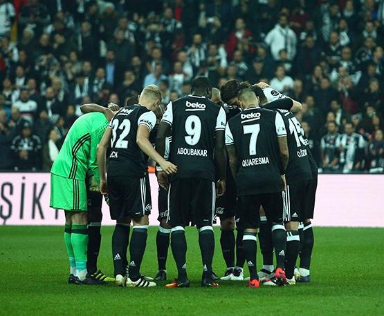 Beşiktaş-Başakşehir maçından kareler 47