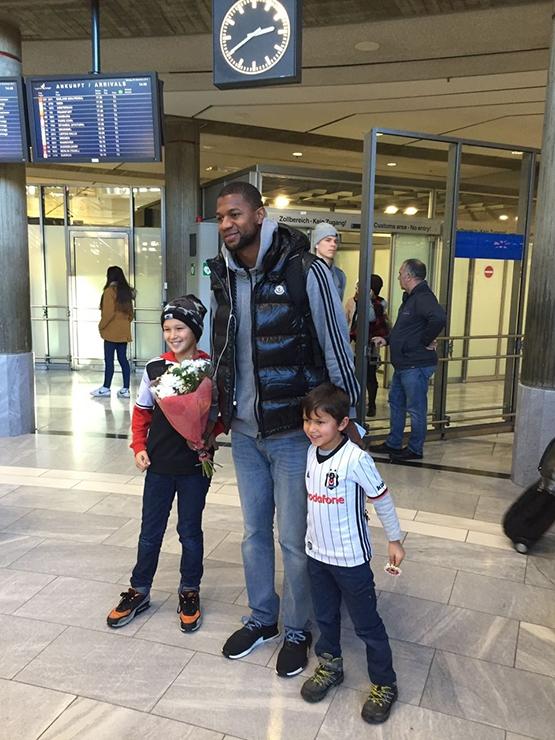 Beşiktaş'ı Almanya'da yalnız bırakmadılar 3