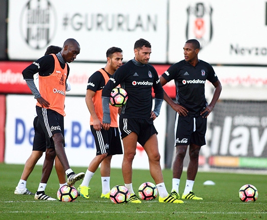 Beşiktaş taktik ve kondisyon çalıştı! 15