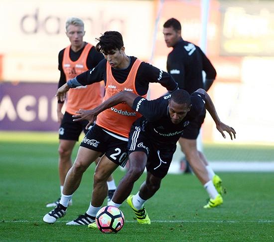 Beşiktaş taktik ve kondisyon çalıştı! 19