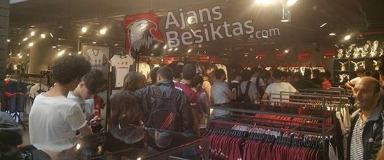 ÖZEL HABER | Vodafone Arena'da ''Efendi Adriano' 11