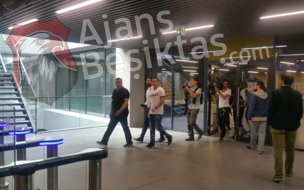 ÖZEL HABER | Vodafone Arena'da ''Efendi Adriano' 4