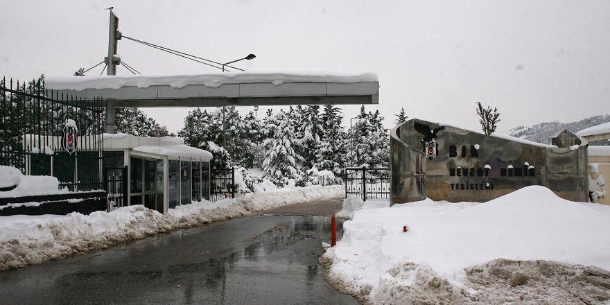 Karlar altında Nevzat Demir Tesisleri
