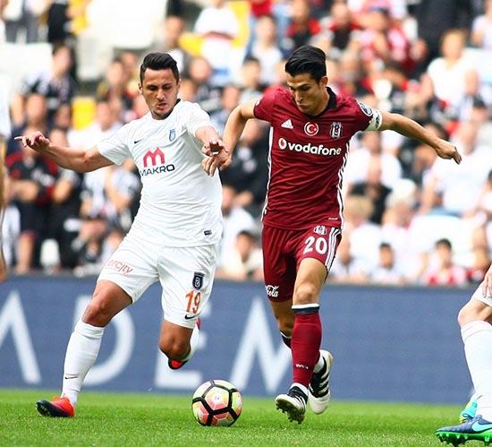 Beşiktaş-Başakşehir maçından kareler 1