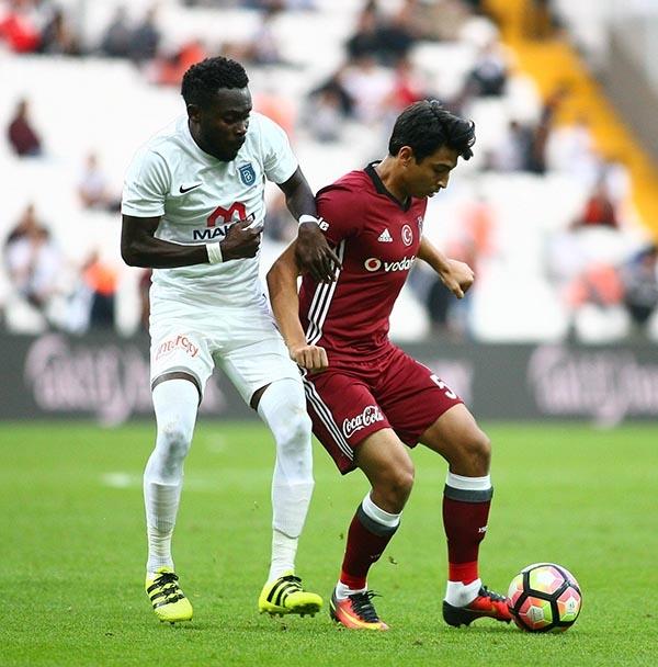 Beşiktaş-Başakşehir maçından kareler 11