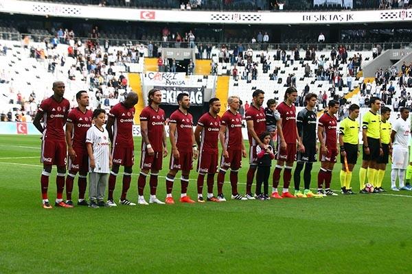 Beşiktaş-Başakşehir maçından kareler 12