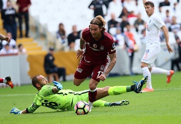Beşiktaş-Başakşehir maçından kareler 15
