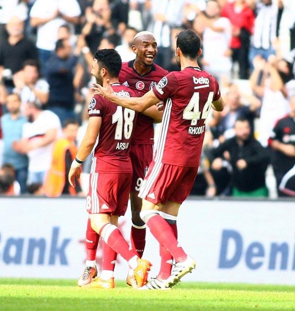 Beşiktaş-Başakşehir maçından kareler 25