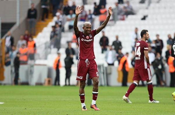 Beşiktaş-Başakşehir maçından kareler 38