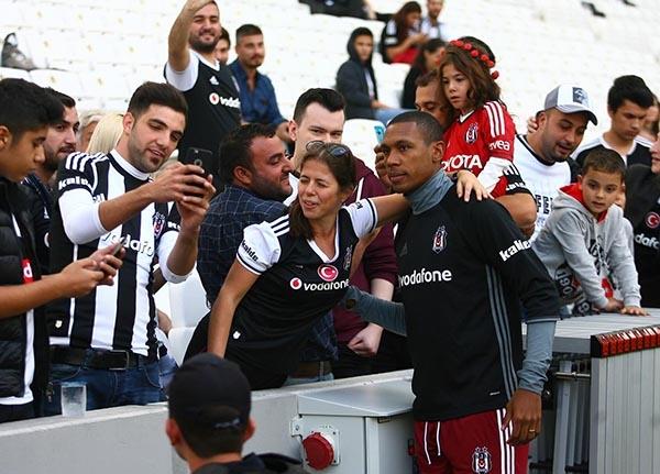Beşiktaş-Başakşehir maçından kareler 41