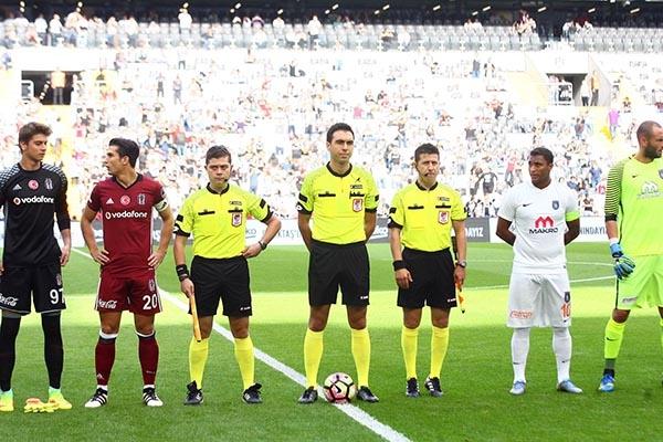Beşiktaş-Başakşehir maçından kareler 44
