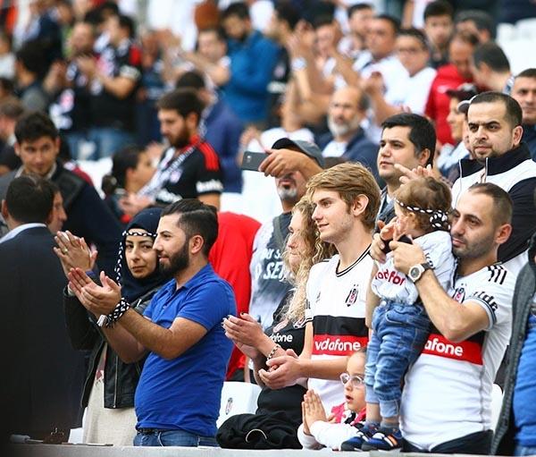 Beşiktaş-Başakşehir maçından kareler 50