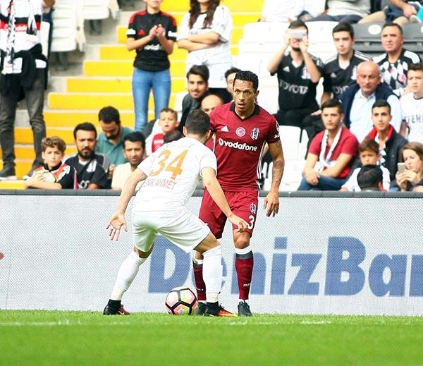 Beşiktaş-Başakşehir maçından kareler 52