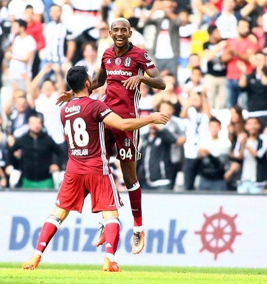 Beşiktaş-Başakşehir maçından kareler 7
