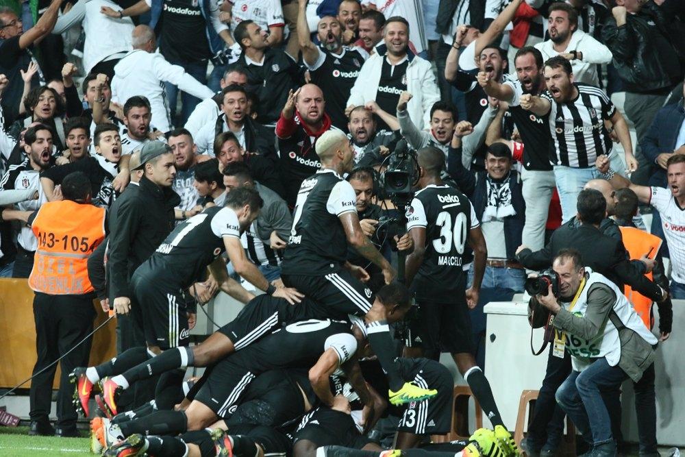 Beşiktaş-Galatasaray derbisinden kareler 7