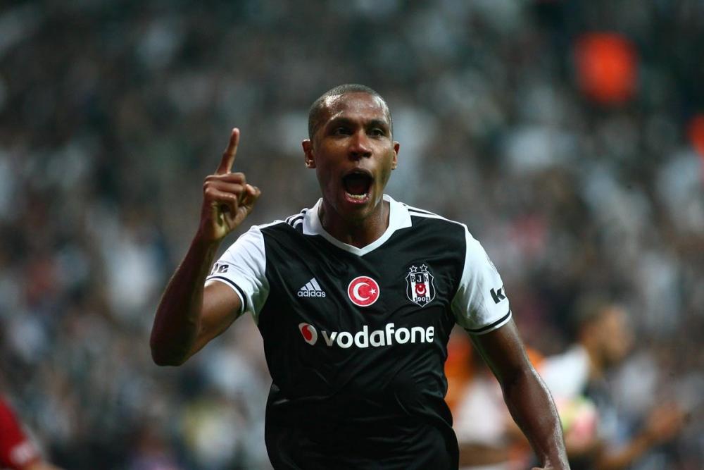 Beşiktaş-Galatasaray derbisinden kareler 9