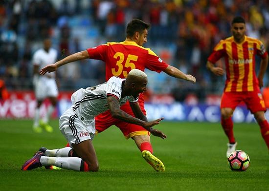Kayserispor-Beşiktaş maçından kareler 16