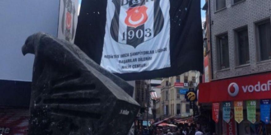 FOTO GALERİ | Beşiktaş bayrakları Türkiye'yi süslüyor