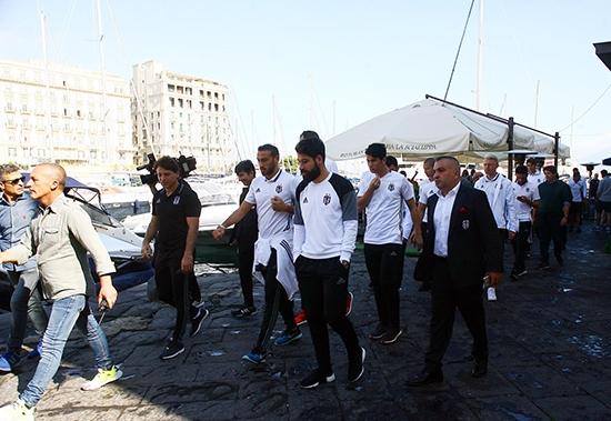 Beşiktaş'ın Napoli gezisi 13