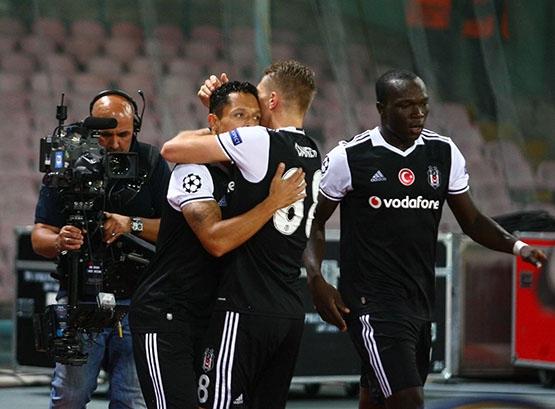 Napoli-Beşiktaş maçından kareler 13