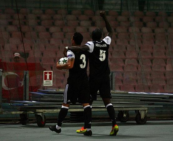 Napoli-Beşiktaş maçından kareler 20