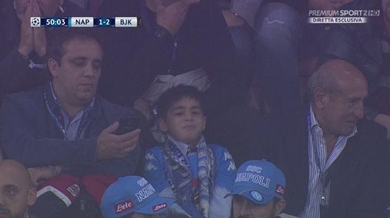 Napoli küçük çocuğu ağlamaya mahkum etti! 1