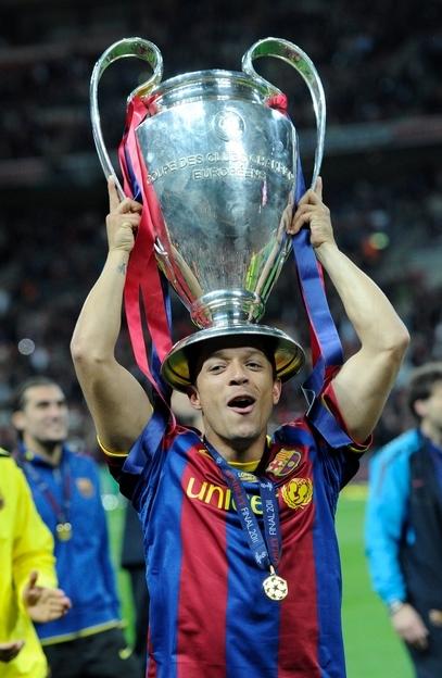 Şampiyonlar Ligi'nden Adriano'ya kutlama 3