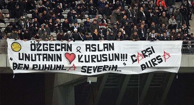 Beşiktaş tribünlerinin futbol dışı pankartları 1 13