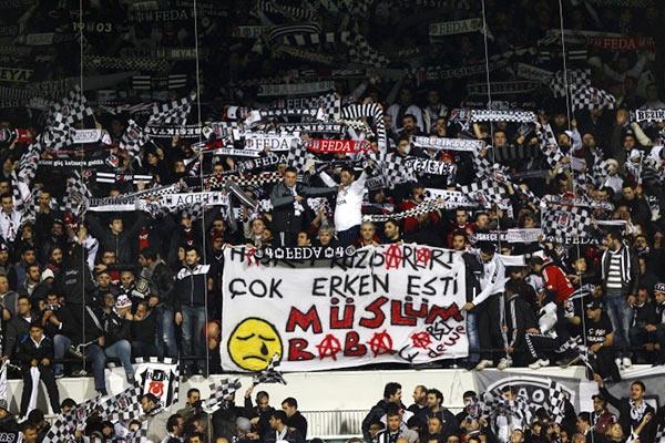 Beşiktaş tribünlerinin futbol dışı pankartları 1 15