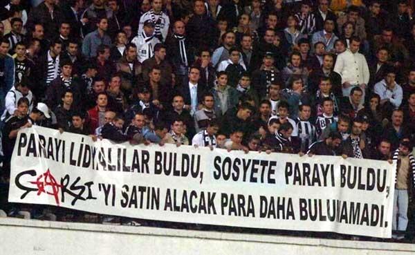 Beşiktaş tribünlerinin futbol dışı pankartları 1 3