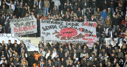 Beşiktaş tribünlerinin futbol dışı pankartları 1 6